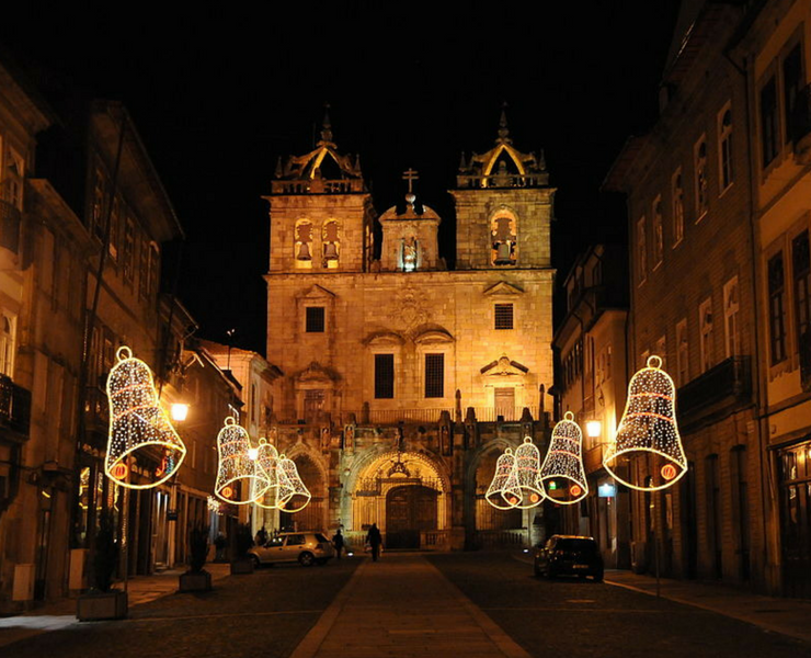 in braga there is no christmas without lots of food and drinks without a mass and without some other habits more or less religious all traditions that - Best Christmas Traditions